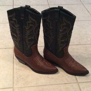 Black & brown cowboy boots